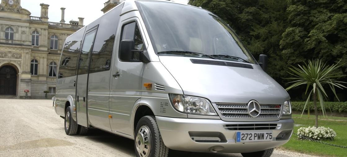 Location minibus 30 places avec chauffeur